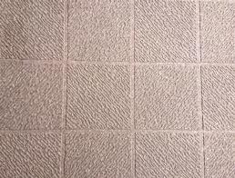 滑り防止の床面の変更